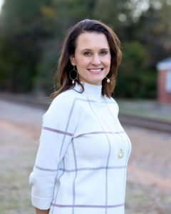 Jaclyn Qualter, an Advanced Certified TeleMedicine & TeleHealth provider, founded LoginClinics PLLC